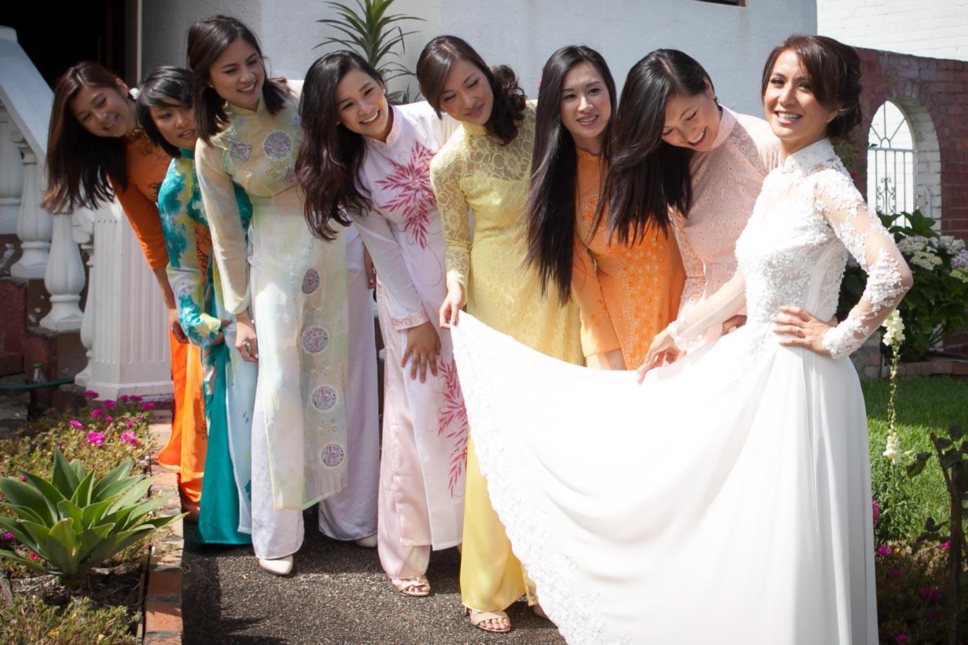 Linda's Engagement Ao Dai Photo 14
