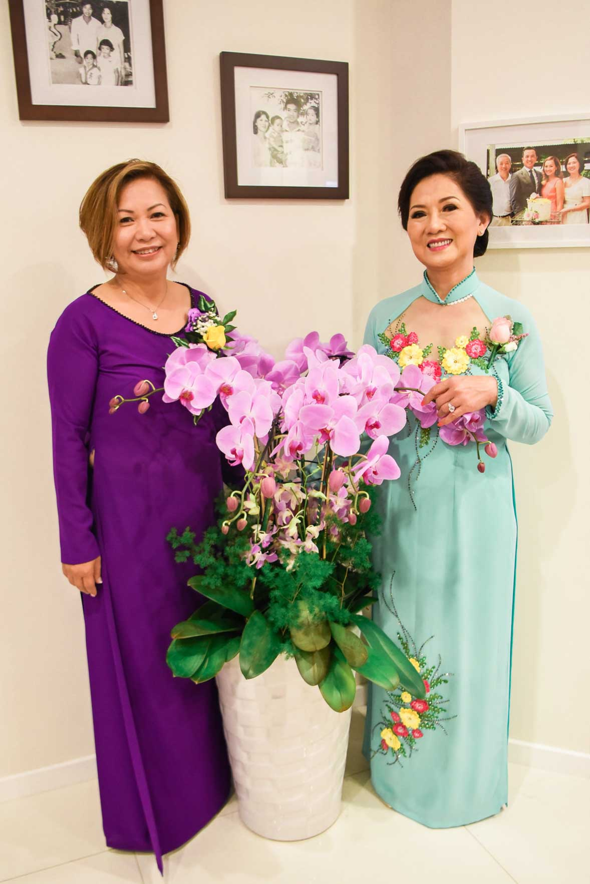 Mother of the Bride Ao Dai Photo 14
